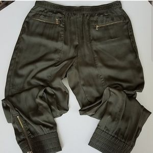 Chico's Black Label army green zipper ankle pants